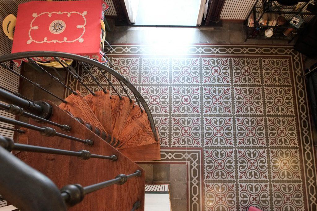 scala e pavimento casa gloria